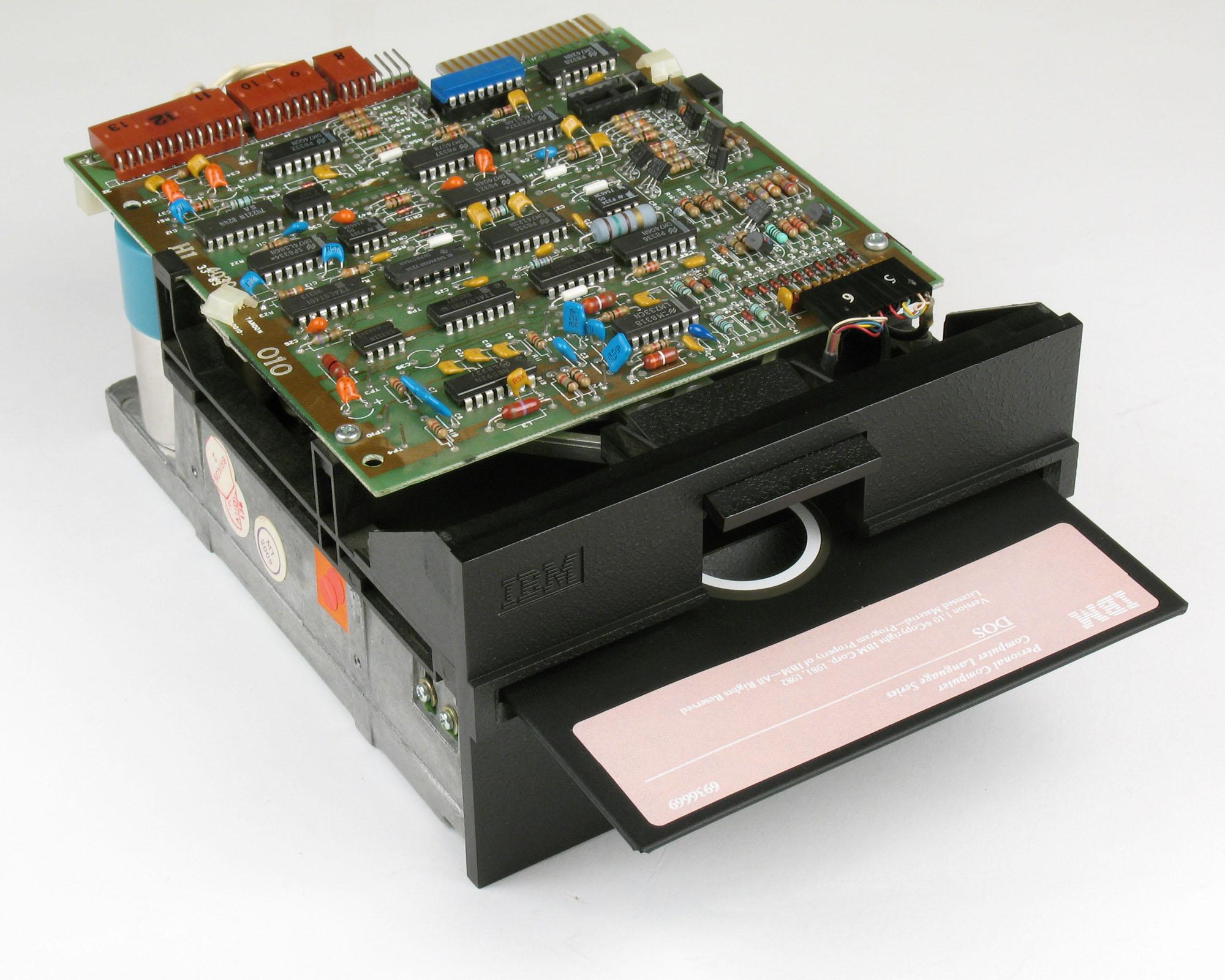 Unidad de disco IBM PC 5 1/4 pulgadas con DOS 1.1